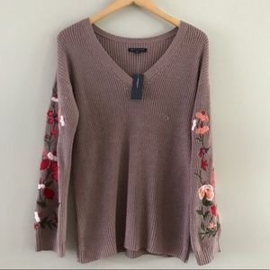 American eagle woman's size S Sweater